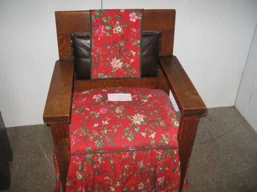 Santa's chair---waiting for the big guy!!